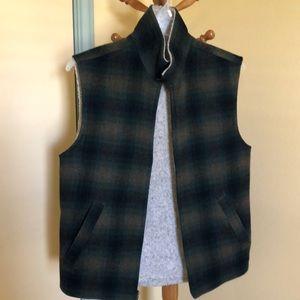 Woolrich men's sz. small vest